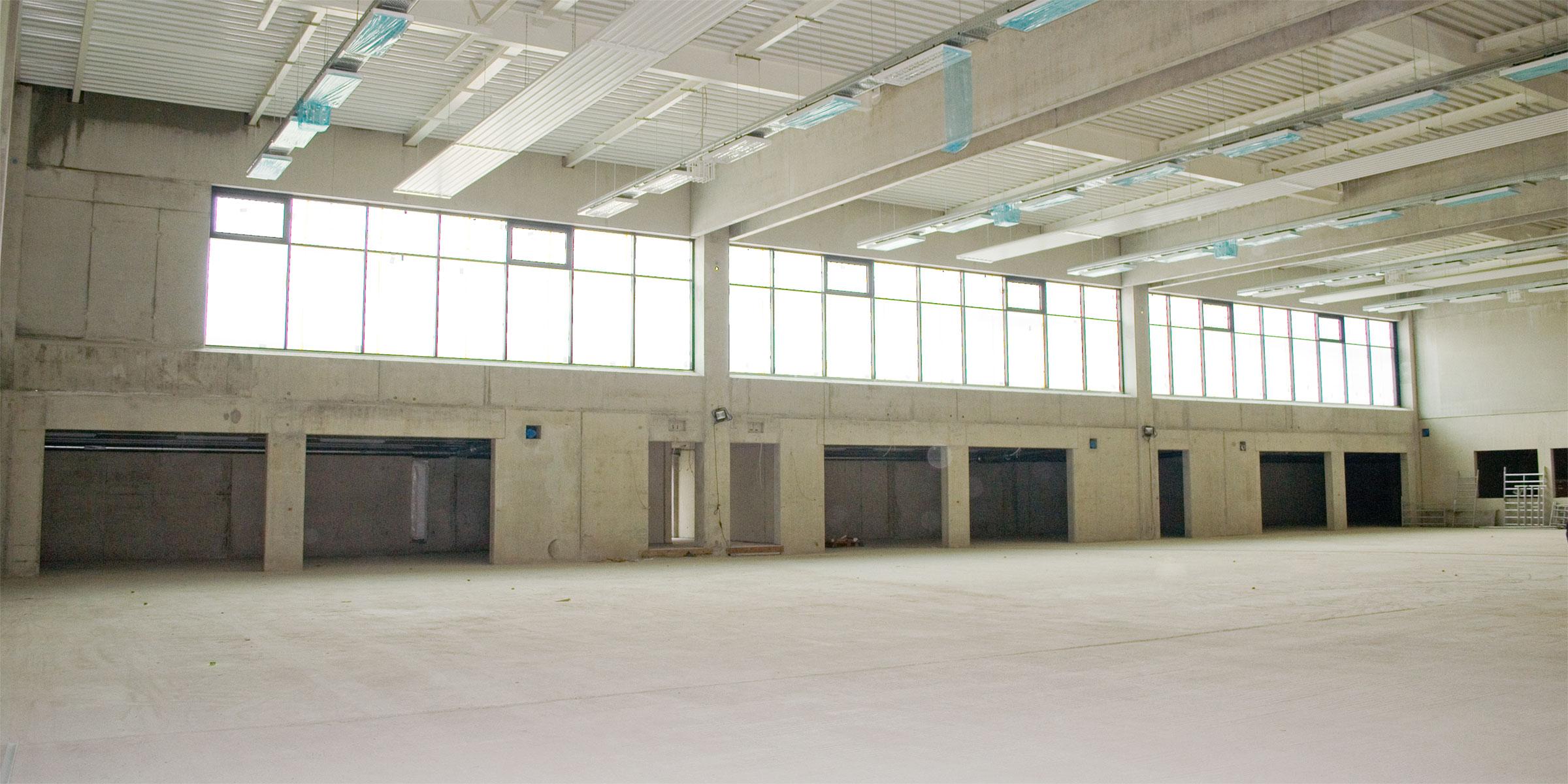 banner_dreifachsporthalle_rohbau_1